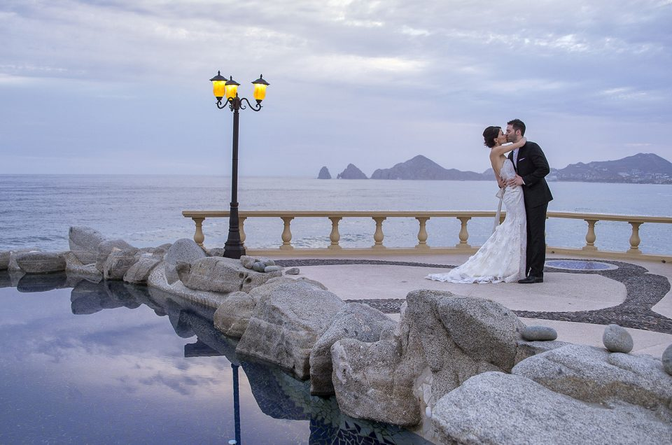 Over 100 Memorable Weddings Per Year The Best Wedding Location In All Of Los Cabos Is Not Surprisingly Found At Sunset Da Mona Lisa