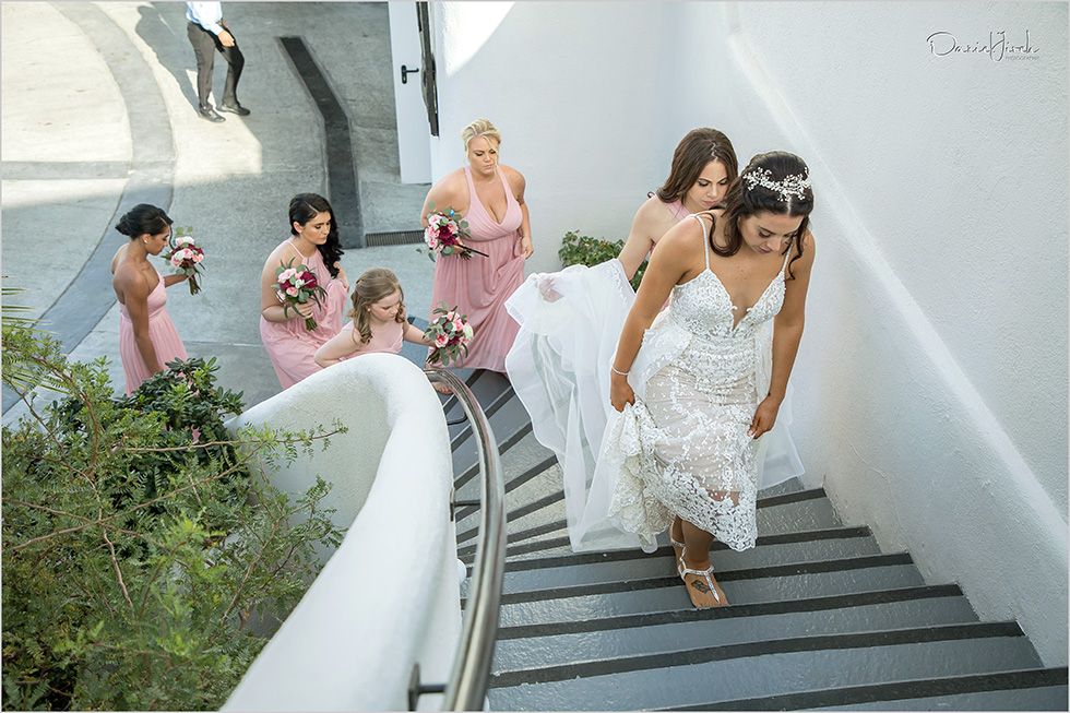 bride and bridesmaids arrive to location, Sunset MonaLisa wedding
