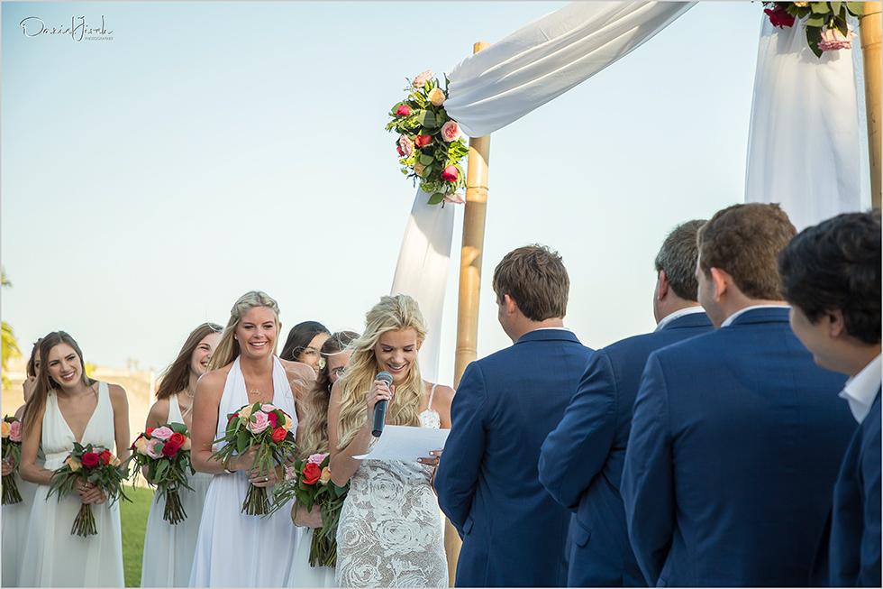 Bride reads vows at Los Cabos wedding