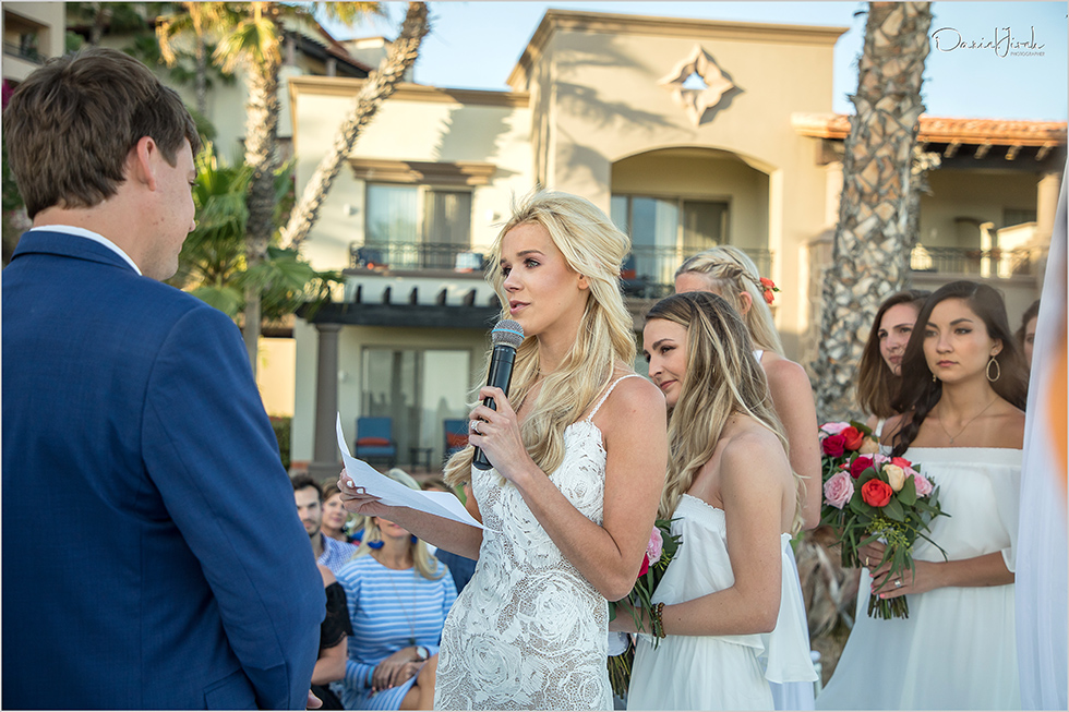 Bride reads vows in Cabo