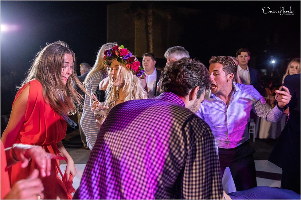 bride and guests dancing at Los Cabos wedding